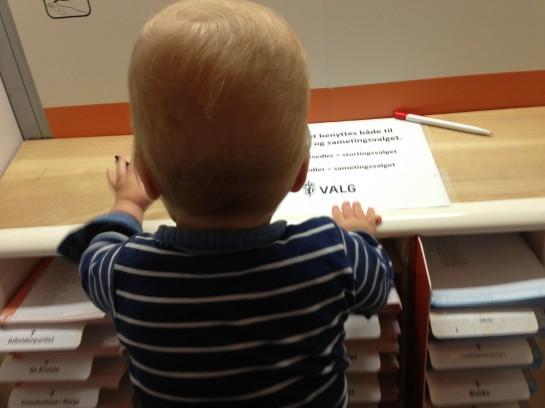 Pappapermisjonen ble blant annet brukt på å lære sønnen å bruke stemmen.